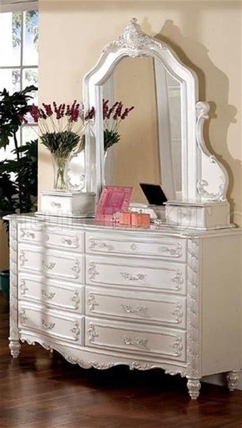 cm victoria kids bedroom  pearl white wcanopy bed