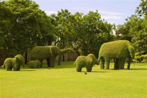Outdoor Sculptures And Contemporary Garden Art
