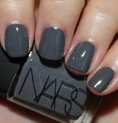 Peculiarity of gray nail polish art expert