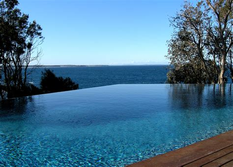 Peter Glass: Bannisters - Mollymook