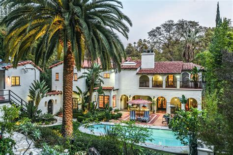 House Style : American Rag Founder Lists Spanish-style House In Los