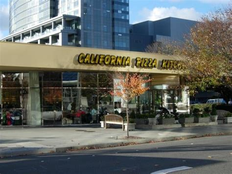 california pizza kitchen bellevue california pizza kitchen 143 photos 174 reviews
