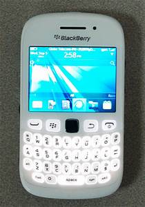 White Blackberry Curve 9220 And 9320 Smartphones Look Cute  Out Now In The Philippines