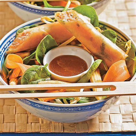 cuisine thailandaise recettes salade thaïlandaise et rouleaux croustillants recettes cuisine et nutrition pratico pratique