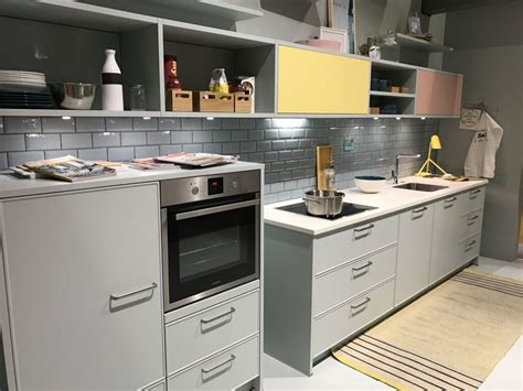 Timeless Ways To Use Subway Tiles In Interior Design