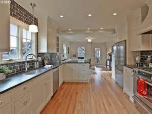 Galley Kitchen With Island Layout Best 25 Galley Kitchen Layouts Ideas On Galley Kitchen Remodel Galley Kitchens And