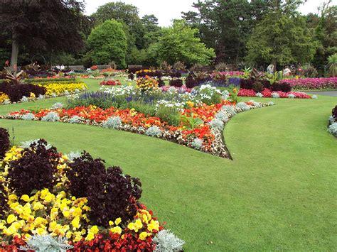 Gardens : Flower Garden