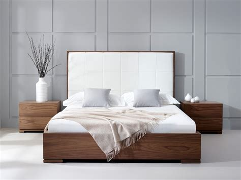 size bed wood walnut bed living it up
