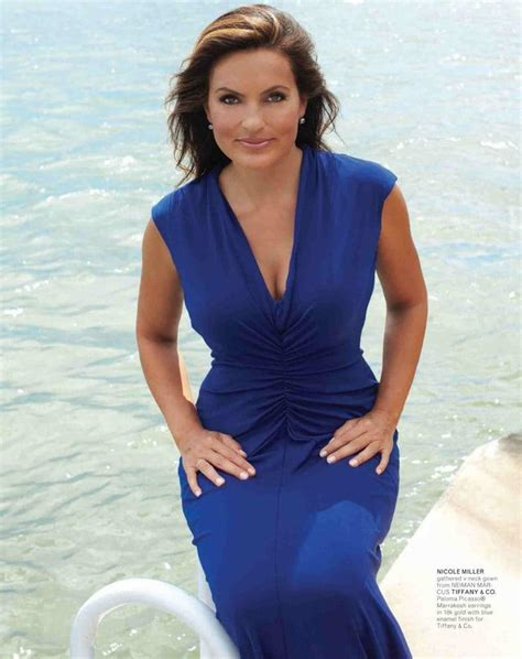 Hot Pictures Of Mariska Hargitay Are Too Damn Hot For