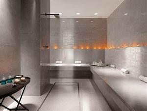 Idee carrelage salle de bain d39inspiration design for Salle de bain design avec bougie décorative oriental