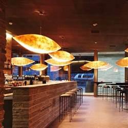 pendelleuchte küche 10 exklusive designer pendelleuchten ergänzen die edle esszimmer optik