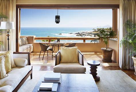 airbnb acquires luxury retreats beating  expedia