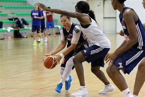 salle jean anglet en images l 233 quipe de f 233 minine de basket pr 233 pare les jo au pays basque sud ouest fr