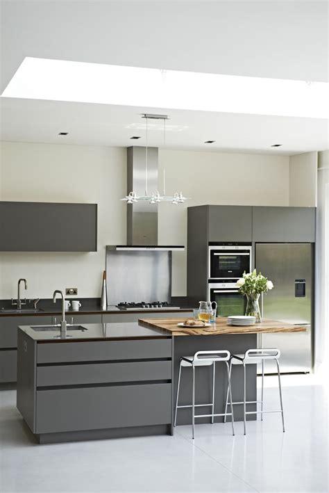 bespoke kitchen island 1000 ideas about l shaped island on pinterest l shape cream colored kitchens and l shape kitchen