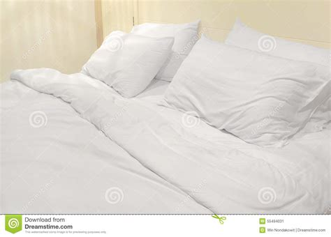 soft white bed stock 55494031