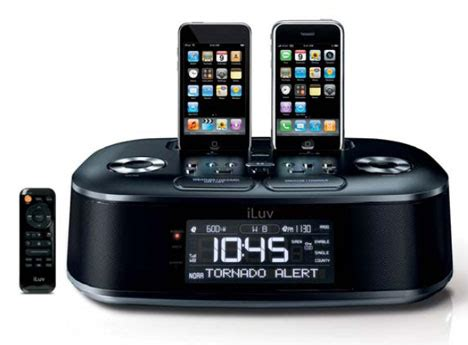iluv dual alarm clock iluv imm183 dual iphone alarm clock with fm radio ubergizmo