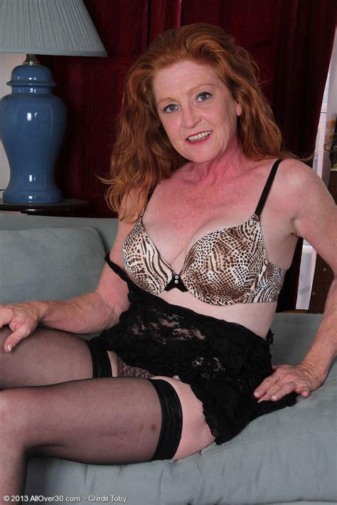 Redhead MILF Tami Estelle Cuddle Her Bosoms MILF Fox