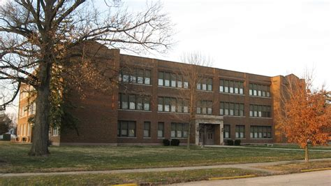 Lincoln Park School In Greenfield, Southwestern Angle