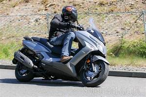 Kymco X Town 125 : kymco x town 125 300 reviewed road test scooterlab ~ Medecine-chirurgie-esthetiques.com Avis de Voitures