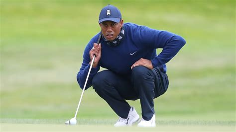 Tiger Woods (68) is rolling his new putter a lot like the ...