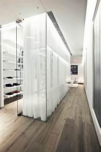 Antiker Schrank Mit Glastüren : tolles ankleidezimmer mit begehbarem kleiderschrank mit glast ren wohnen kleiderschrank ~ Orissabook.com Haus und Dekorationen