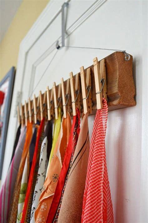 comment ranger les foulards les 25 meilleures id 233 es concernant rangement de foulard sur organisation 233 charpe