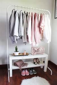 Ikea Kleine Schränke : ikea lack tv bank gepaart mit ikea kleiderst nder f r den perfekten minimalistischen ikea ~ Watch28wear.com Haus und Dekorationen