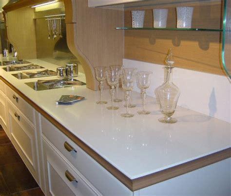 plan de travail cuisine quartz cuisine plan de travail de cuisine classique clair en quartz