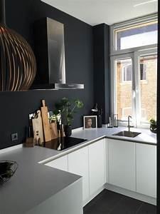 Wand Schwarz Streichen : wandfarbe schwarz die besten ideen f r dunkle w nde ~ Fotosdekora.club Haus und Dekorationen
