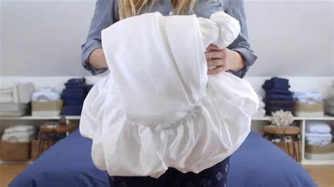 fitted sheets learn where to hold em how to fold