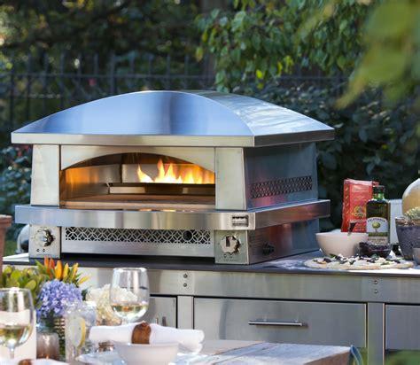patio pizzeria counter top outdoor pizza oven bakes pizzas     minutes