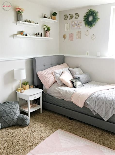 grey bedroom ideas how to diy a blush and gray bedroom makeover must 11747   girls bedroom makeover ideas