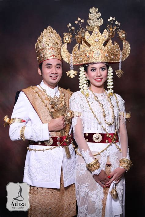 lampung traditional wedding outfit pengantin pakaian