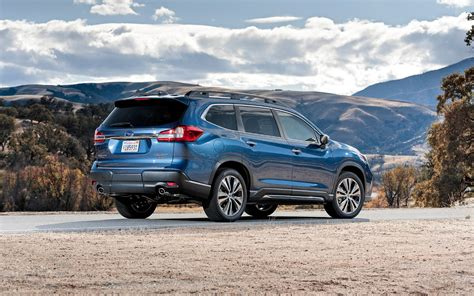 Comparison  Subaru Ascent Premium 2019  Vs Toyota