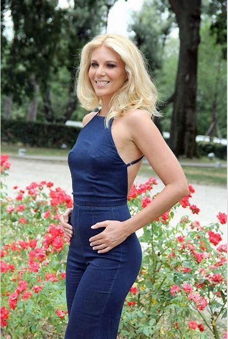 Classify Italian Tv presenter and journalist Eleonora Daniele