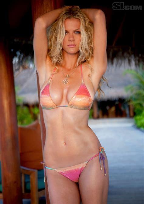 Celebrities In Hot Bikini Brooklyn Decker