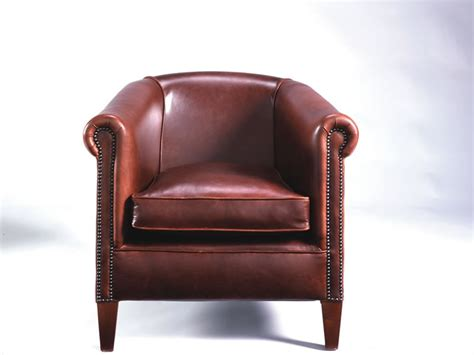 chesterfield tub chair in deluxe leather
