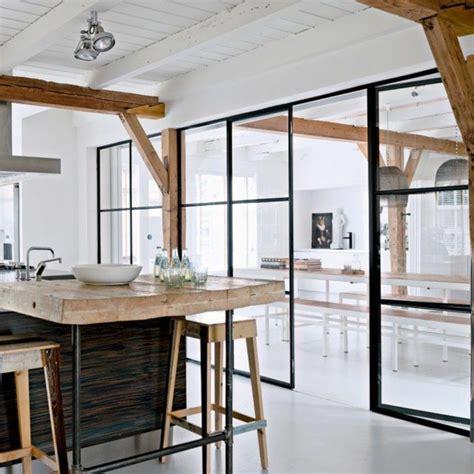cuisine originale en bois les portes pliantes design en 44 photos