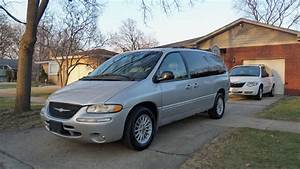 2000 Chrysler Town  U0026 Country - Overview
