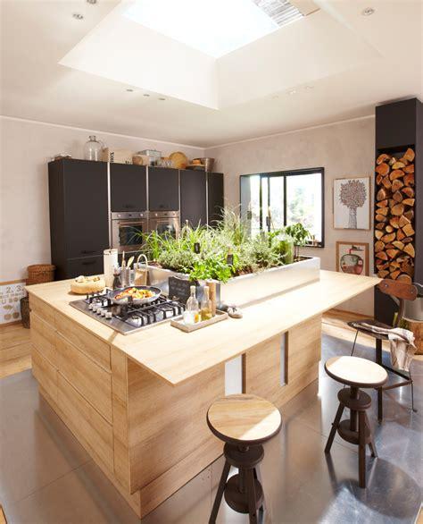 cuisine plan de travail bois massif cuisine en bois un matériau plusieurs styles