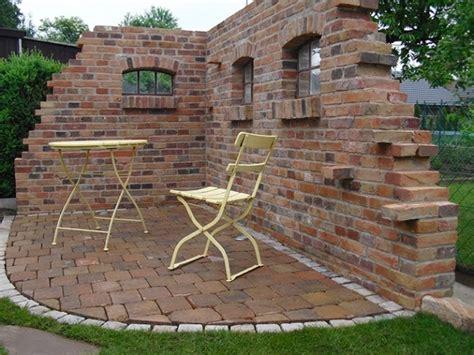 Mauer Im Garten Nauhuri Com Garten Sitzecke Mauer Neuesten Design