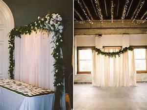 8 gorgeous pipe drape wedding backdrops bridalpulse for Backdrop decoration for wedding