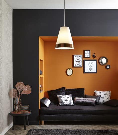 le de bureau orange accords d 39 orange et de cuivre pour une alcôve gaie et
