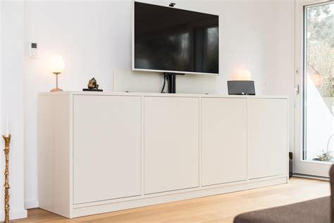 sideboard mit tv lift betty chaulert org