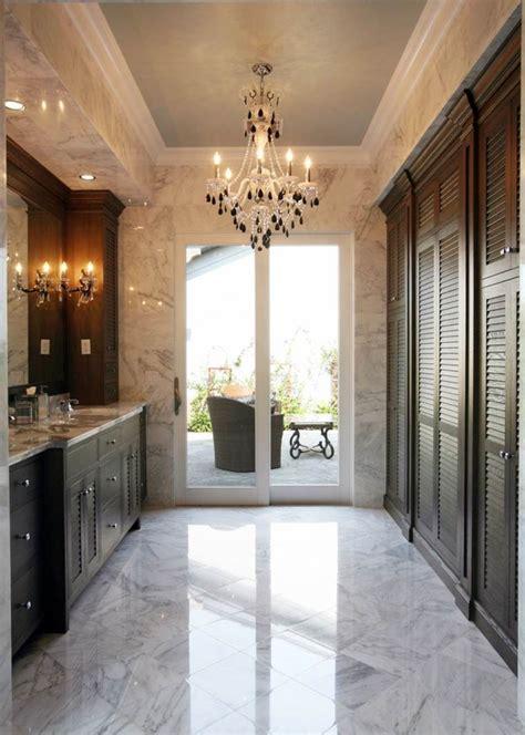 porte persienne une decoration pratique pour votre interieur