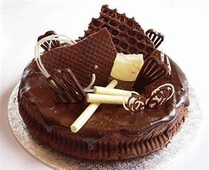 Chocolate Birthday Cake Designs - Fondant Cake Images