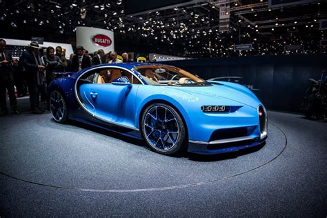 Chiron sets a new benchmark for performance, capability and technology. Bugatti Chiron 2018 Review, Specs, Price