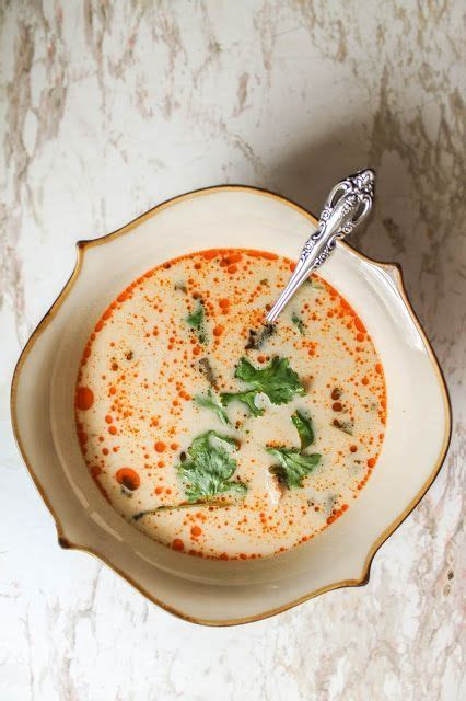 tom kha suppe tom kha soup a lemongrass coconut thai soup