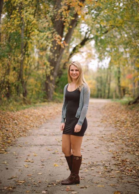 Senior Portrait Session - Sunflower Field - Girl Senior ...