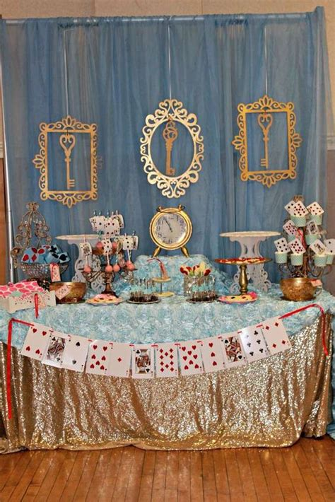 alice and wonderland table decorations alice in wonderland table decorations pictures to pin on